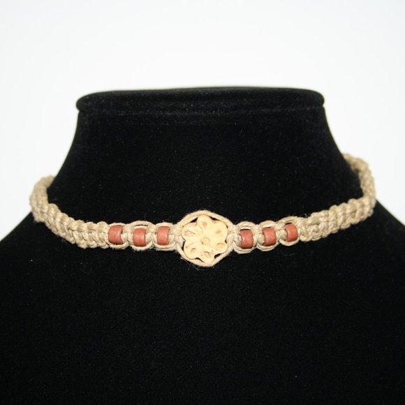 Hemp and flower adjustable necklace